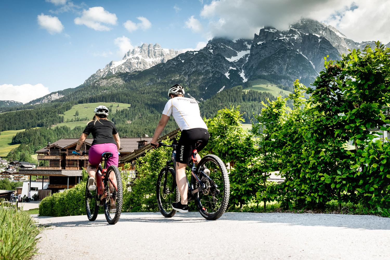PURADIES Hotel & Chalets | E-Bike Verleih im Haus
