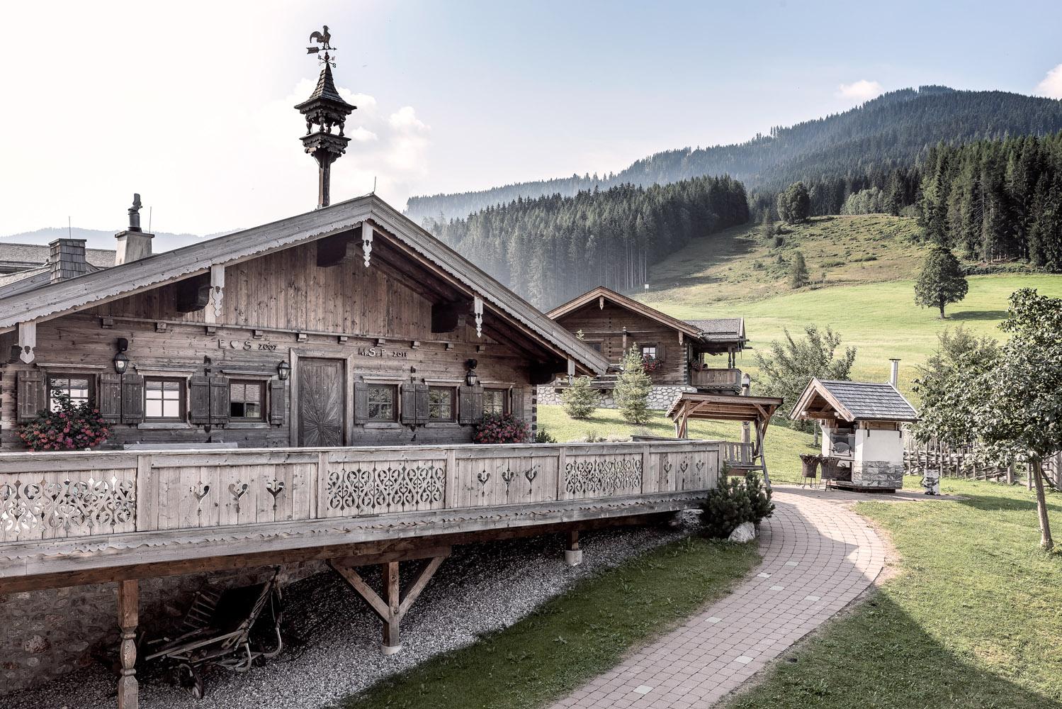 PURADIES Hotel & Chalets | Aussenansicht Embachalm
